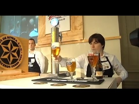 Sara Pedrosa, la mejor tiradora de cerveza