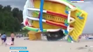 В Красноярске перевернулся надувной батут с детьми
