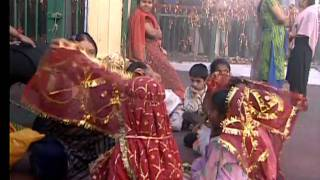 Kabhi Durga Maa Rani [Full Song] Dar Tere Maiyya - Download this Video in MP3, M4A, WEBM, MP4, 3GP