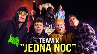 Kadr z teledysku Jedna Noc tekst piosenki Team X