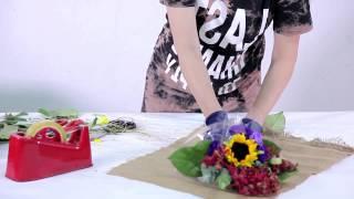 How To Arrange A Mini Flower Bouquet