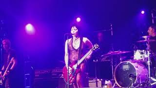 Joan Jett and the Blackhearts I hate Myself for Loving You