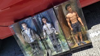 Twilight saga Adult collector Barbie doll review! (Bella, Edward, Jacob)