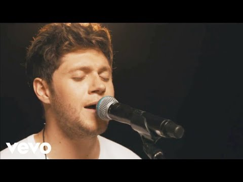 Niall Horan - Flicker klip izle