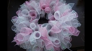 DIY: Loopy/Curly Deco Mesh Wreath