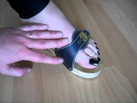 Le traitement médical du microorganisme végétal des pieds et les ongles