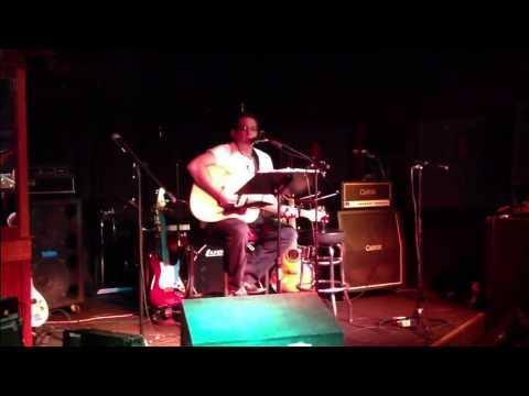 Derik Schumacher @ Memphis on Main - Acoustic Set - In Color