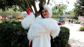 Cruella De Vil Chases Rabbit at Epcot, Greets Us in Rare Pre-Halloween Appearance Walt Disney World