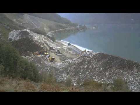 Jak powstawał wał przeciwpowodziowy przy norweskim jeziorze?