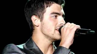 "Joe Jonas & Demi Lovato camp rock tour ""wouldn't change a thing"" live  9-18-2010"