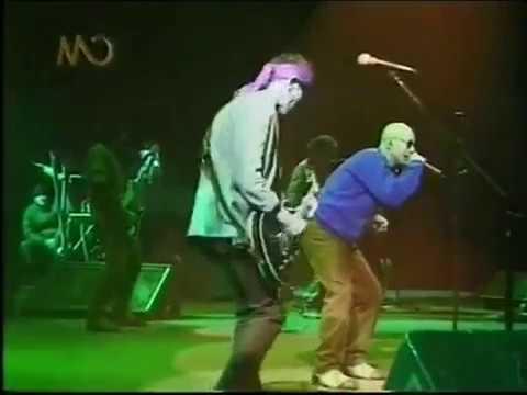 Patricio Rey y Sus Redonditos de Ricota video Fusilado por la Cruz Roja - Patinódromo de Mar del Plata 1999