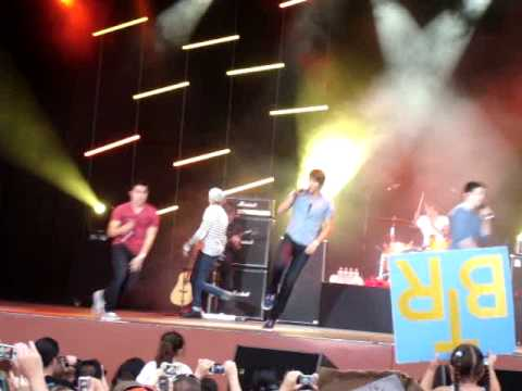 Big Time Rush Live Universal Studios Orlando concert Song #2 (Theme Song)