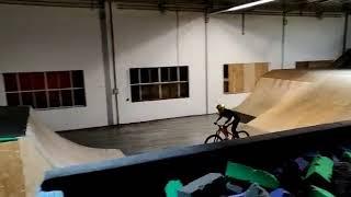faze tari cade cu bicicleta