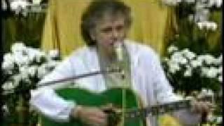 "Donovan talks with David Lynch & sings ""The Hurdy Gurdy Man"""