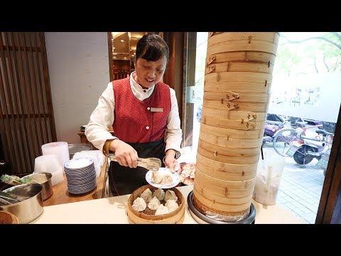 LOCAL Chinese Food BREAKFAST - Xiaolongbao & Wonton Soup + Master of the Nets Garden | Suzhou, China