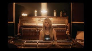 Anna Graceman - Keep On Moving On