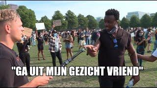 Dennis bezoekt anti-racisme demonstratie in Den Haag