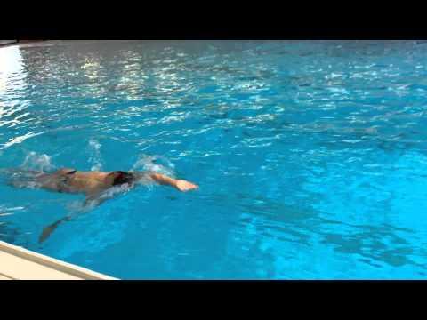 Schwimmen lernen: Rollwende beim Lagenschwimmen - Rücken-Brust-Rollwende Turnover Teil 2