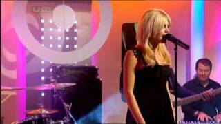 Pixie Lott Cry Me Out (LIVE)