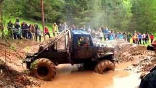 Гонки 4x4 по грязи бездорожью на джипах, внедорожниках оффроад 2015 полноприводные машины offroad