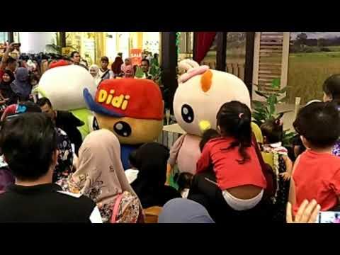 Didi & Friend di Aeon Shah Alam