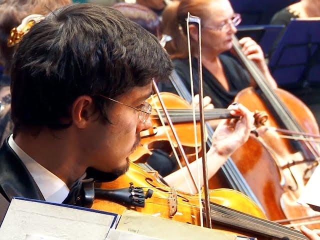 Губернаторский оркестр вновь собрал полный зал