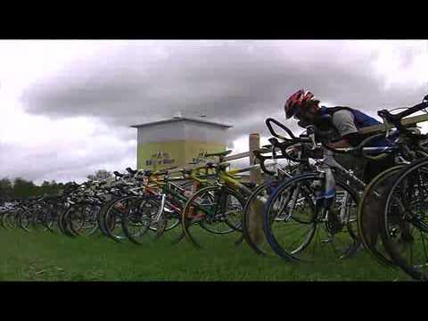 Hochgeladen am 10.08.2010 Die Grüntenstafette des TSV Burgberg ist _die_ Sportveranstaltung für alle Hobby-Läufer, Strassen-Radfahrer, Bergläufer und Mountainbiker. Die Grüntenstafette finde alle 2 Jahre statt. Es nehmen dort zahlreiche Sportler in unterschiedlichen Altersklassen und teil.