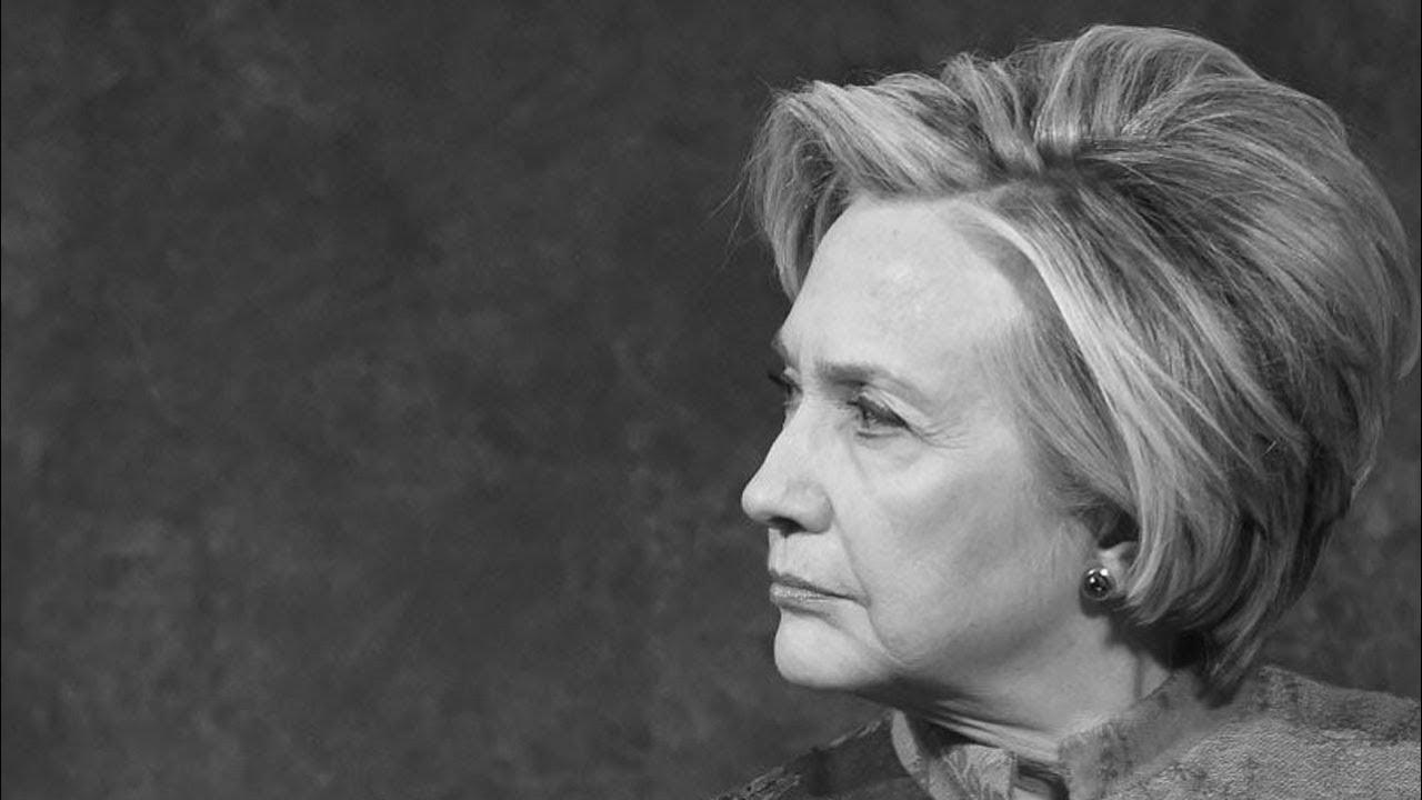 Vanity Fair Makes A Hillary Clinton Joke, Internet Explodes thumbnail