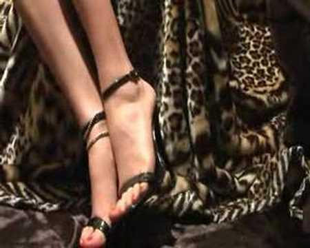 sandalias negro charol