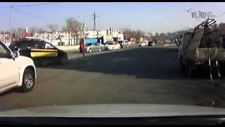 Смотреть онлайн В шок пьяную автоледи задержали автолюбители
