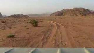 preview picture of video 'Piste au Wadi Rum 1'