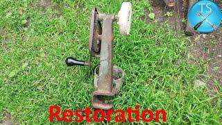 Restoration Antique Hand cranked grinder