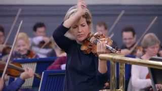 Anne-Sophie Mutter and the Oxford Philharmonic Orchestra