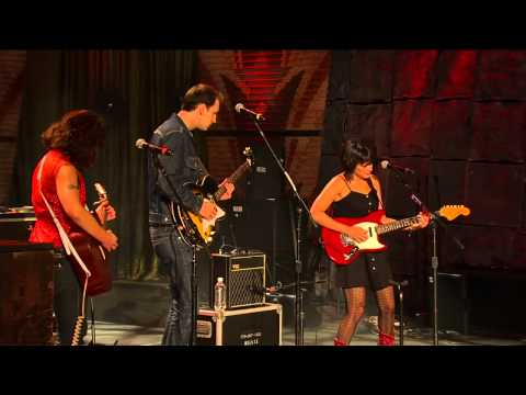 Norah Jones - How Many Times Have You Broken My Heart (Live At Farm Aid 25)
