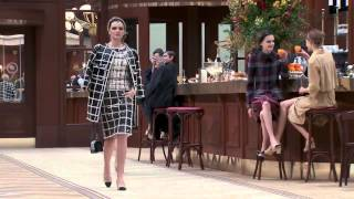 Коллекция одежды Chanel осень-зима 2015⁄2016. Полное видео показа