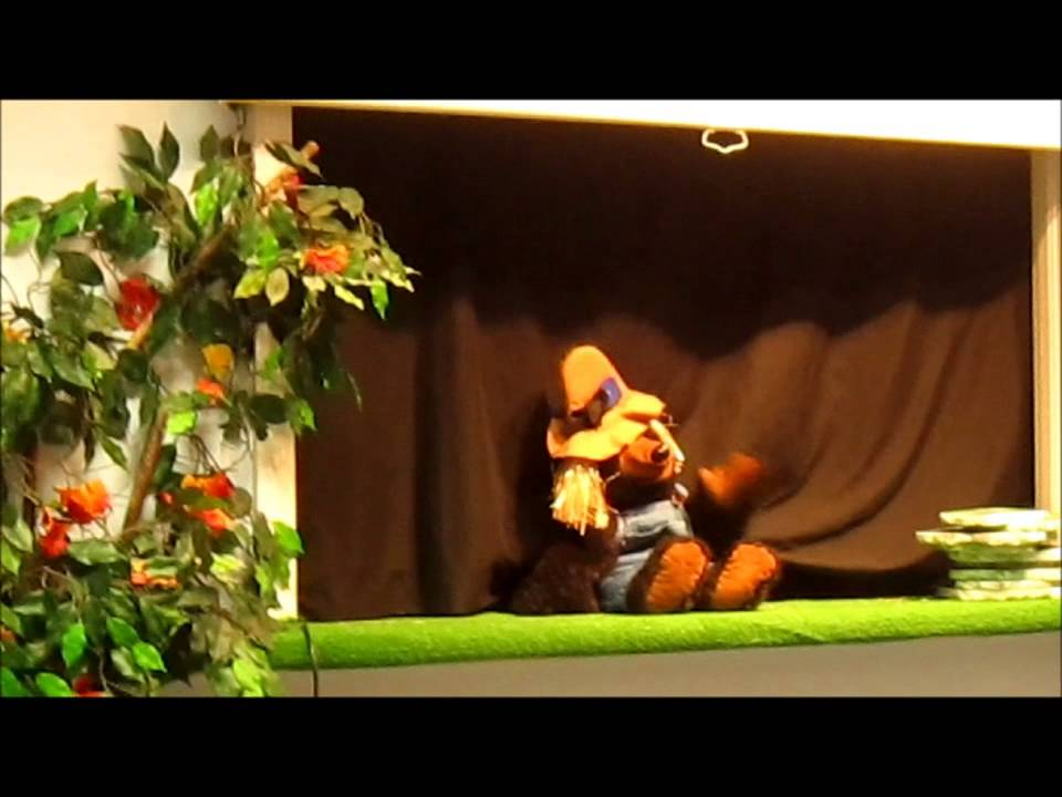 Halloween Puppet Show for kids - Scarecrow, Scarecrow, What do you see?