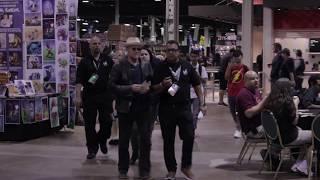Michael Rooker Surprises Yondu Painter At Wizard World Chicago