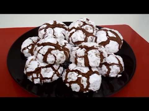 Biscotti al cioccolato screpolati con cuore morbido - Le ricette di zia franca