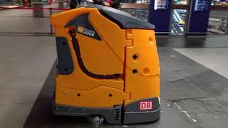 Wettbewerb der Reinigungsroboter   Diversey Taski Intellibot 2000