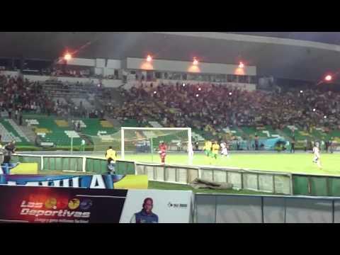 """Gol Deportes tolima vs Huila centenario Armenia"" Barra: Revolución Vinotinto Sur • Club: Tolima"