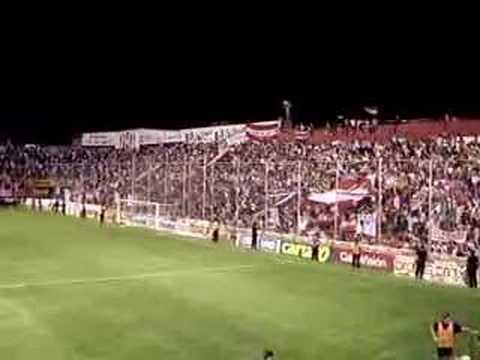 """""""Yo soy Tatengue, es un sentimiento, no puedo parar"""" Barra: La Barra de la Bomba • Club: Unión de Santa Fe"""