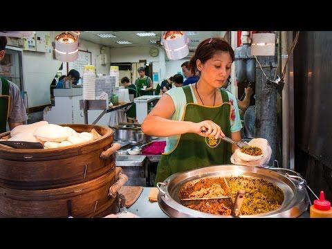 Video Taiwanese Pork Belly Sandwich at Lan Jia Gua Bao (藍家割包) - FAMOUS Taiwanese Street Food in Taipei!