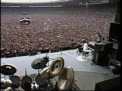 Queen  - (1985) Bohemian Rhapsody / Radio Ga-Ga / Hammer To Fall (Live Aid)