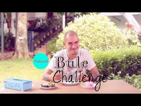 Ditantang Makan Soto Lamongan, Begini Ekspresi Bule