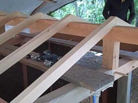 El techo con las vigas principales