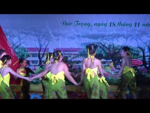 Múa liên khúc dân gian