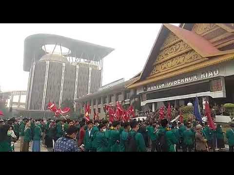 Mahasiswa UR dan Umri Kepung Kantor Gubernur Riau