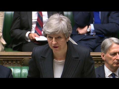 Ομοβροντία πυρών κατά Μέι για το σχέδιό της για το Brexit