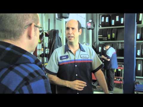 5minutová komediální hodinka Jeffa Lewise #12: Výměna oleje