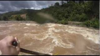 preview picture of video 'Rafting the Padas River, Borneo'
